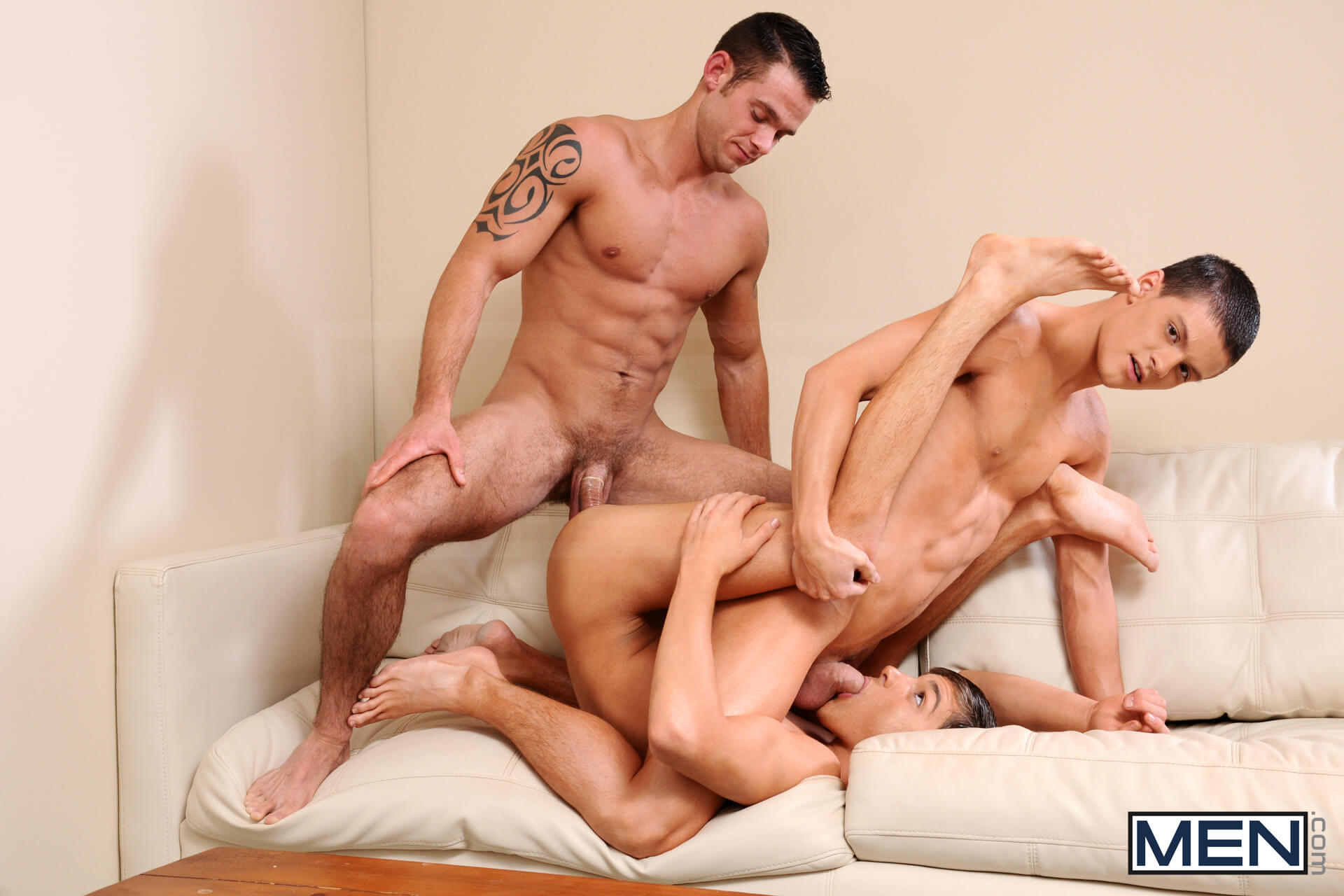 MEN.COM » Drill My Hole » Johnny In A Box Part 2 » Cooper Reed » Johnny Rapid » Tyler Sweet