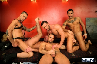 MEN.COM » Jizz Orgy » Justified » Damien Crosse » Donato Reyes » Issac Jones » Lucio Saints » Marco Sessions