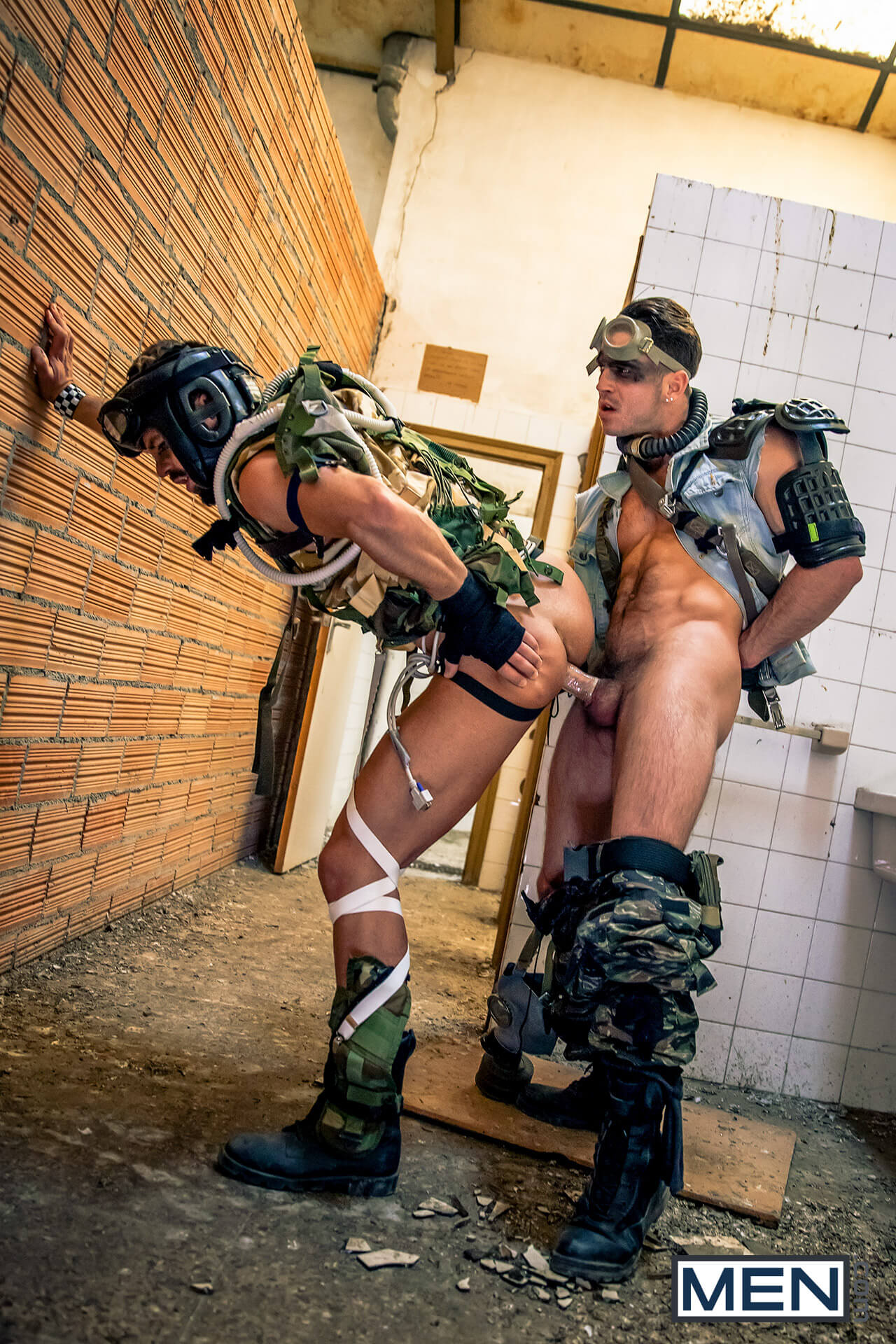 men str8 to gay apocalypse part 1 hector de silva paddy obrian gay porn blog image 21