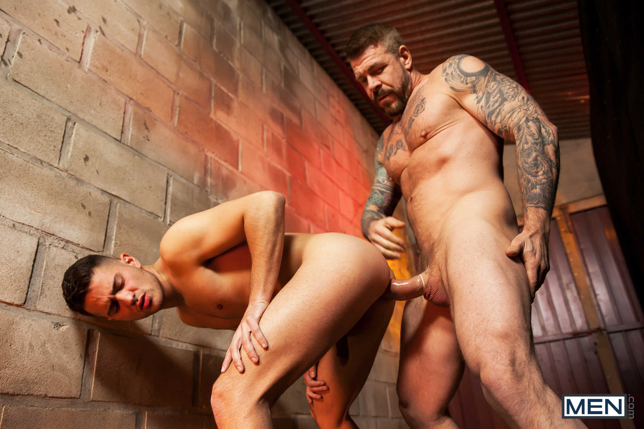 MEN.COM » Str8 To Gay » Eat, Prey, Fuck Part 4 » Robbie Rojo » Rocco Steele