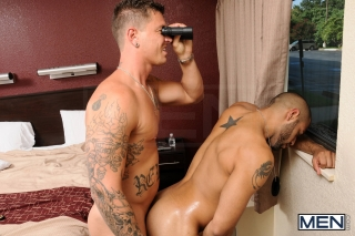 MEN.COM » Str8 To Gay » Stake Out Part 1 » Leo Forte » Sebastian Young